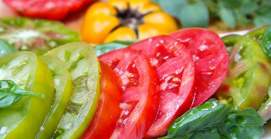 Летний салат, который ты должен съесть прямо сейчас
