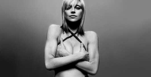 Как я потеряла девственность: 10 откровенных признаний звезд
