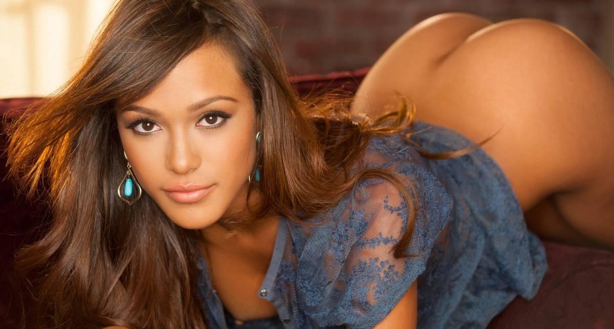 Красотка дня: звезда Playboy Жаслин Ом