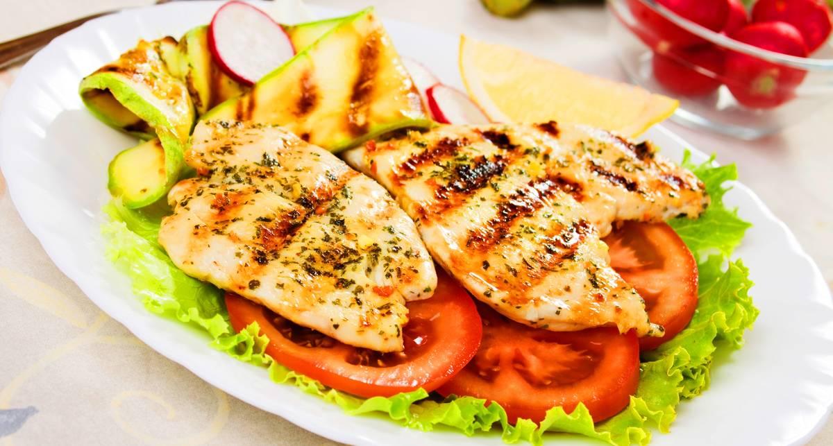 Вкусное мясо: рецепт куриных грудок в молоке