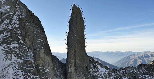 Покорение Маттерхорна: экстрим-фото швейцарских альпинистов