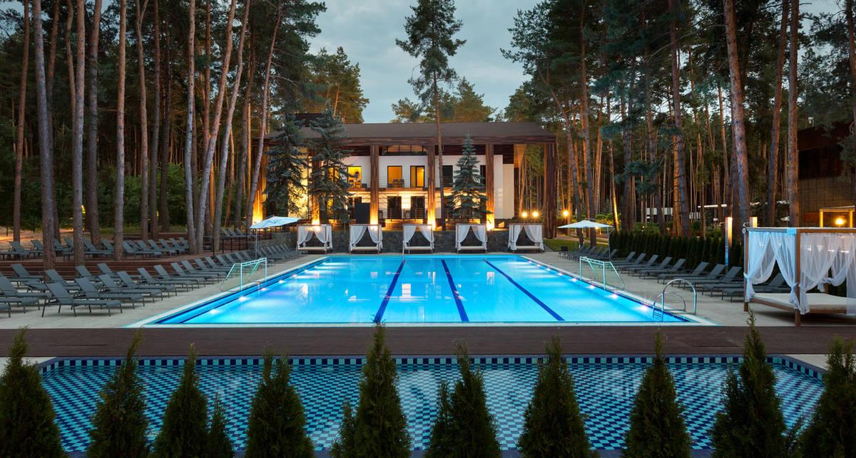 Отдых на природе: 5 самых уютных лесных отелей