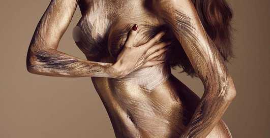 Новогодняя эротика в исполнении фэшн-моделей для Lui Magazine