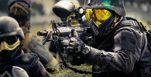 Стрельба и тачки: 10 самых мужских хобби