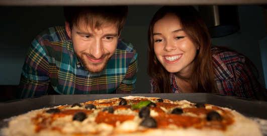 Вкусная пицца: 3 блиц-рецепта