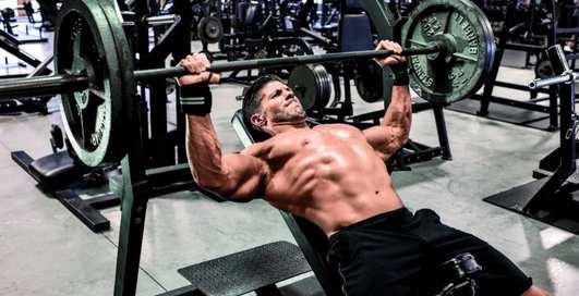 Верх грудных мышц: как укрепить с помощью штанги