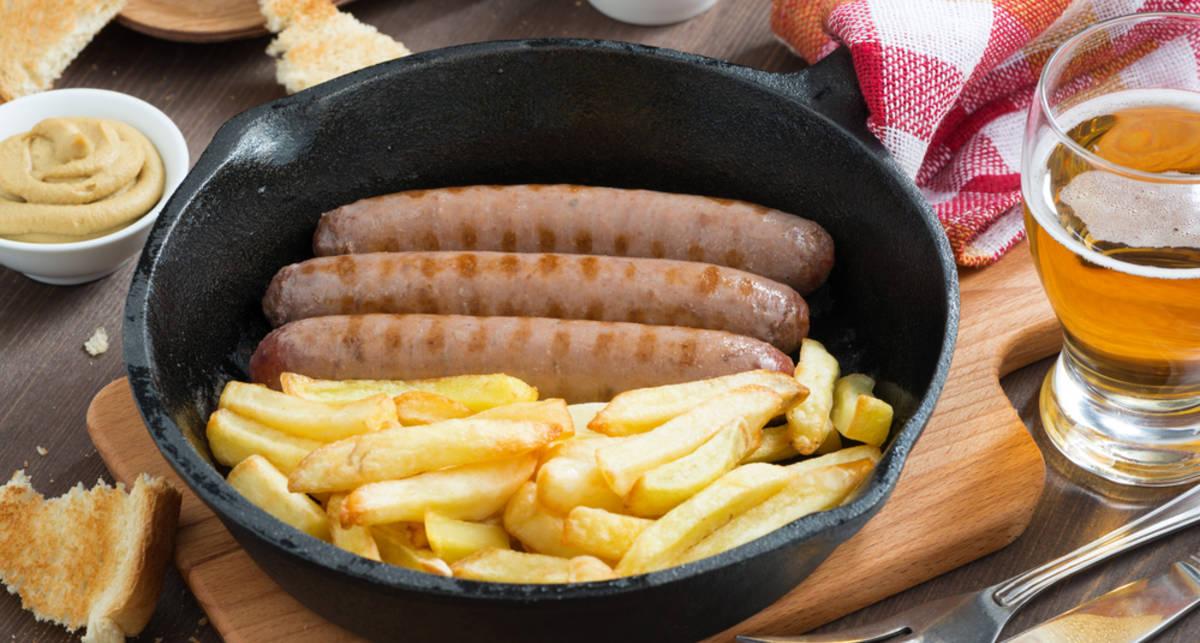 Ко Дню святого Патрика: рецепт жареных колбасок