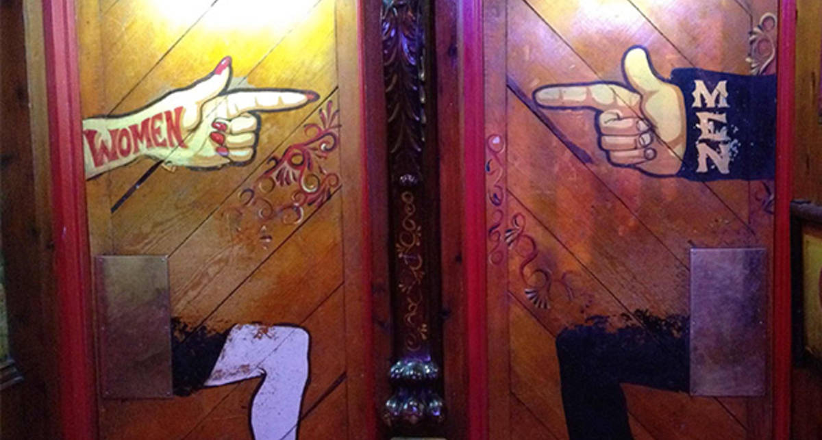 М и Ж: тридцать креативных знаков на туалетах