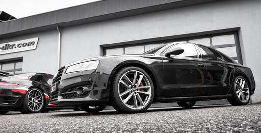 Audi S8 plus: самый сильный седан компании