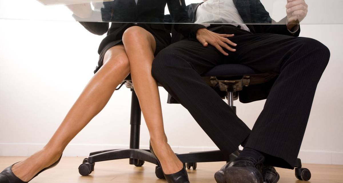 Служебный роман: пять правил интрижки на работе
