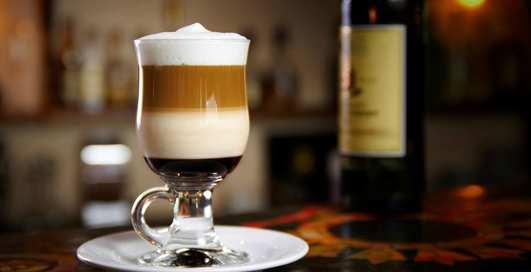 """Кофе с градусом: пять """"пьяных"""" коктейлей с энергетиком"""