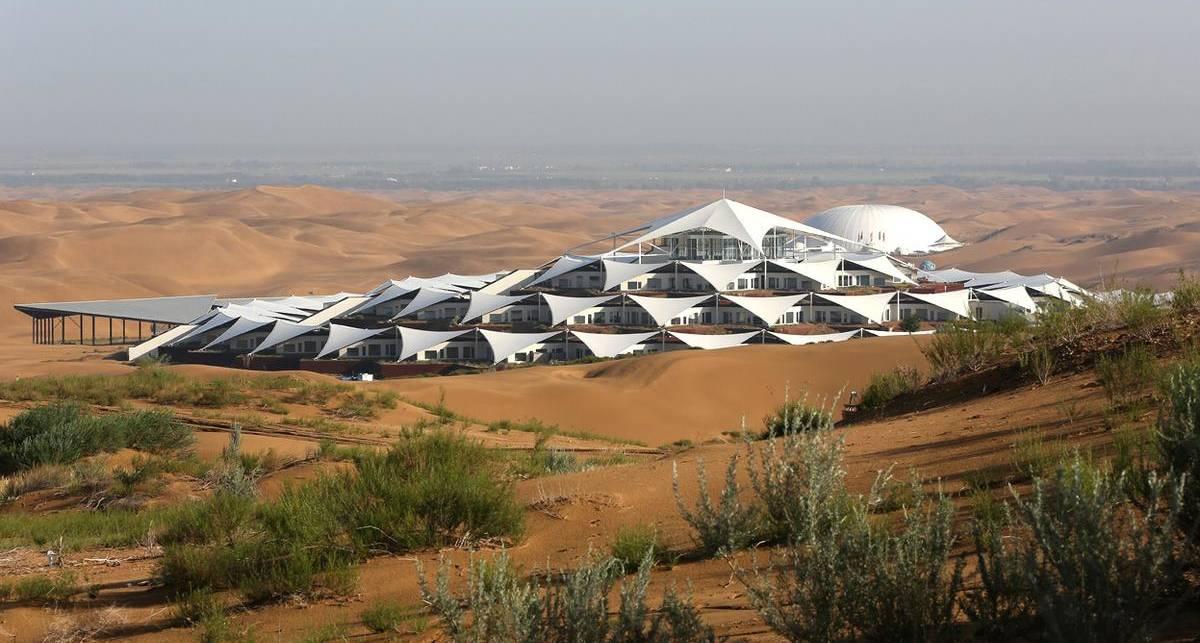 Отели в пустыне: десятка самых крутых