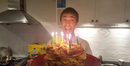 Мужской торт: австралиец собрал еду из фаст-фудов