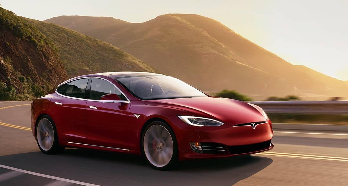 100 км/ч за 2,7 секунды: десять самых быстрых авто