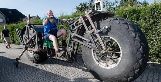 Конь педальный: немец смастерил самый тяжелый велосипед в мире