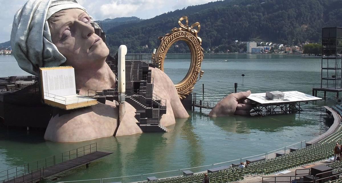 Танцы на воде: самые яркие концертные площадки мира