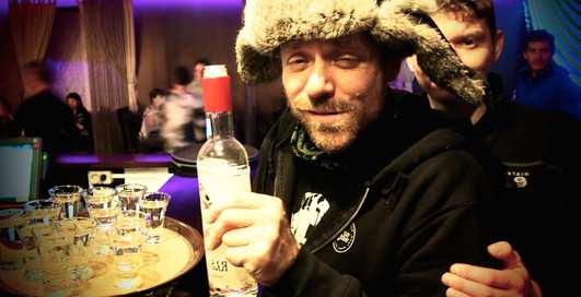 0,5 водки за 40 секунд: мастер-класс от жителя Владивостока