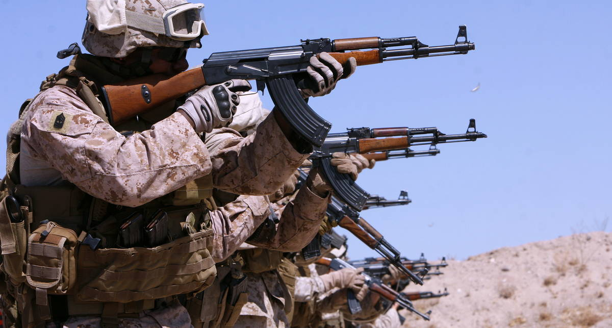 Автомат Калашникова: пять глупейших мифов об оружии
