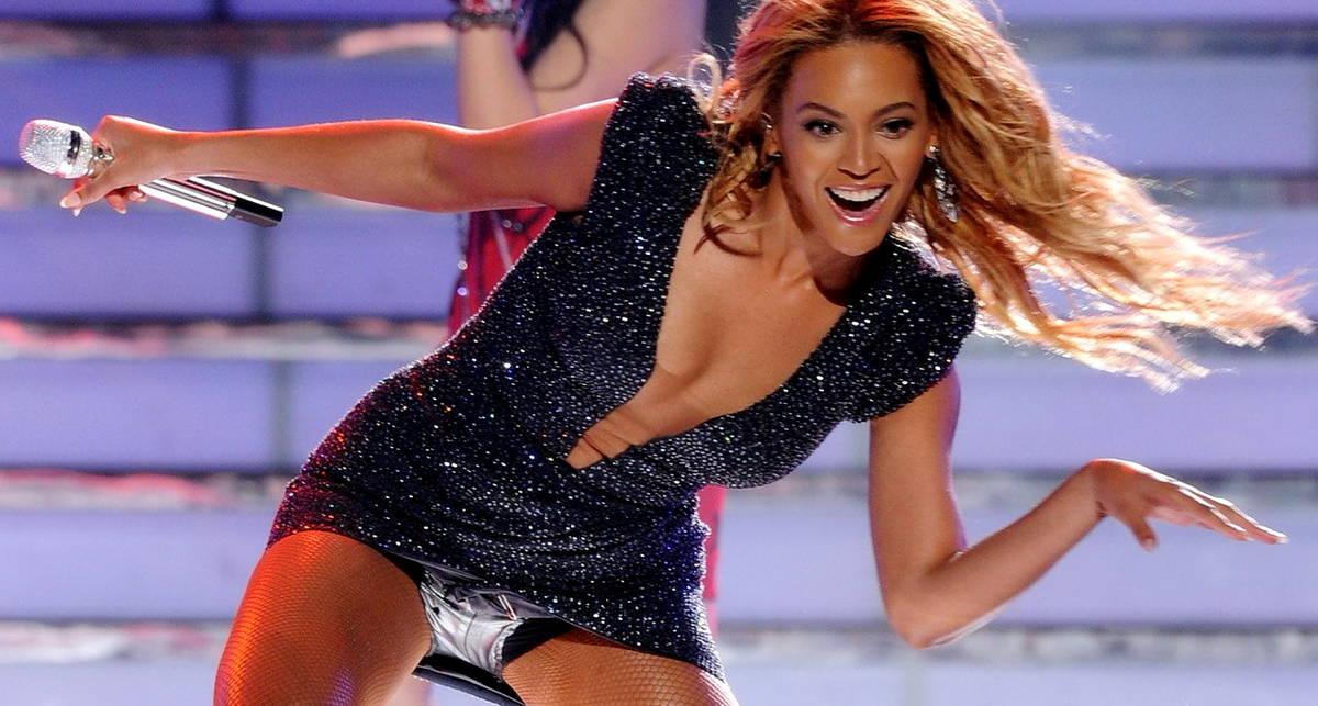 Сексапильные певицы, которые умеют классно танцевать