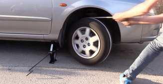 Петля с домкратом: странный способ завести авто без ключей