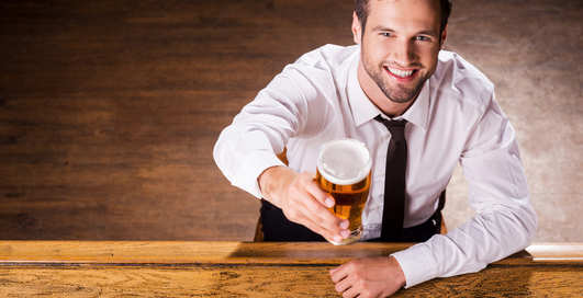 Пиво мужчин делает креативнее — ученые