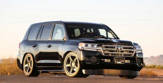 Land Cruiser рвет: в Toyota построили 2000-сильный вседорожник