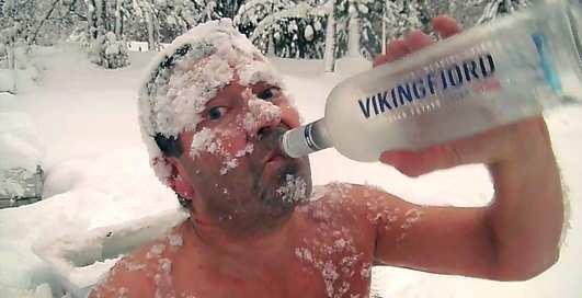 Водку пивом запивая: как встречают первый снег в Норвегии
