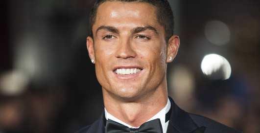 Роналду — гей: звездные красотки, с которыми спал футболист
