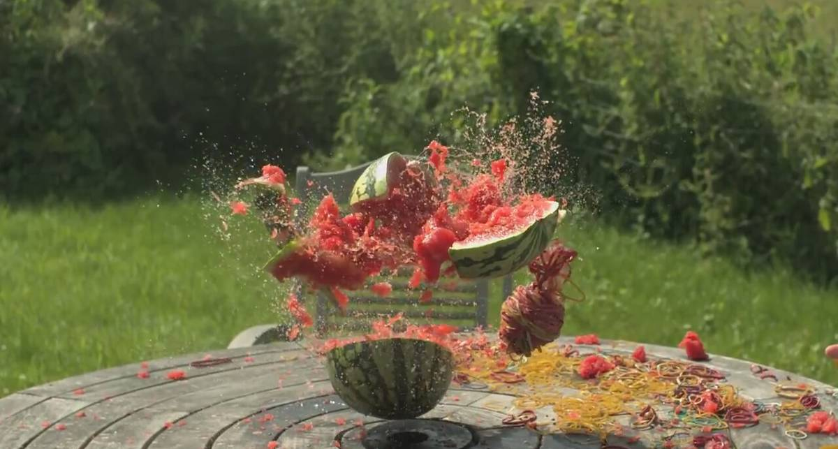 Как подорвать арбуз без пиротехники