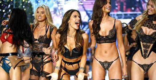 Victoria's Secret Fashion Show 2016: отборные снимки ангелов в трусах