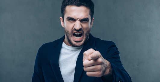 Твой коллега — псих: 7 тревожных признаков