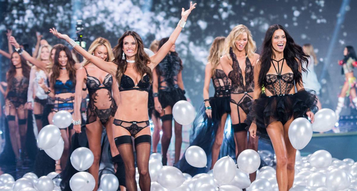 Новогодний привет от моделей Victoria's Secret