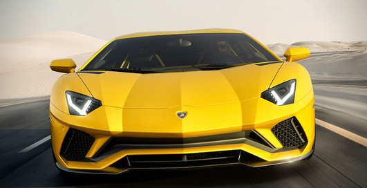 Lamborghini Aventador S: желтый бык забодает рынок