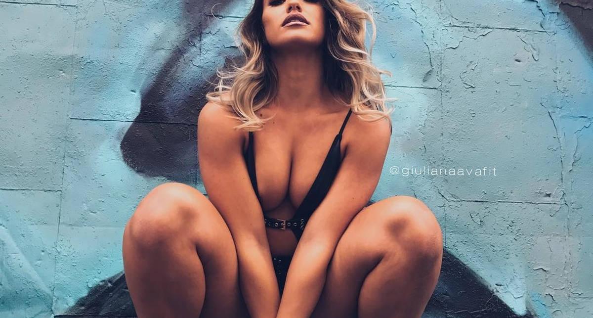 Красотка дня: модель с крепкой попкой Джулианна Ава