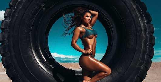 Красотка дня: украинская фитнес-модель Джулия Гилас