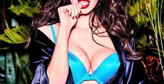 Меган Фокс рекламирует свои лифчики на страницах V magazine
