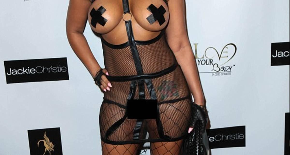Платье БДСМ: американская актриса порвала всех своим нарядом