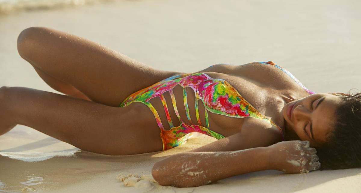 Красотка дня: модель с нарисованным купальником Лиза-Мари Джафта