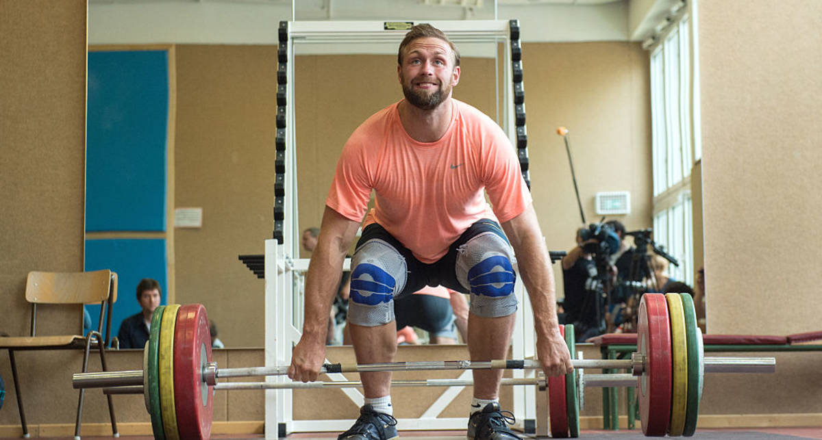 Два самых безопасных для спины способа делать становую тягу
