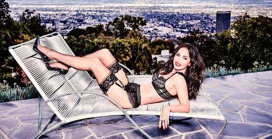 Меган Фокс: самые эротические гифки модели по версии Maxim