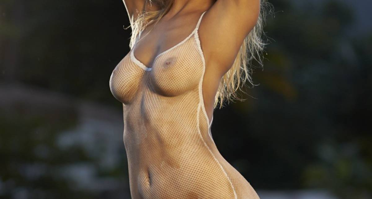 Голые звезды с нарисованным бикини: эротика от Sports Illustrated