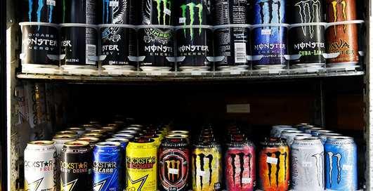Не кофеином единым: чем еще энергетики гробят твое сердце