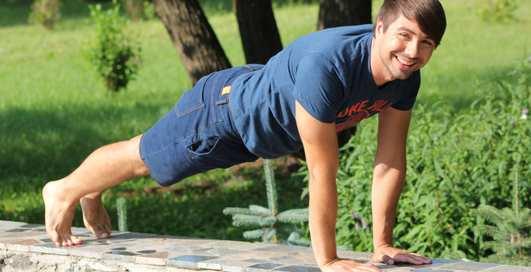 Как оставаться в форме: 5 упражнений от Игоря Обуховского