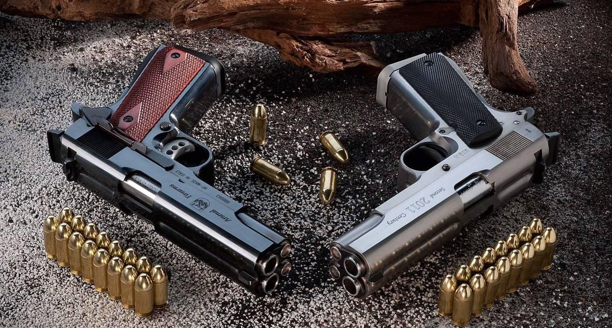 20 выстрелов за 1,5 сек: эпичная стрельба из двуствольного пистолета