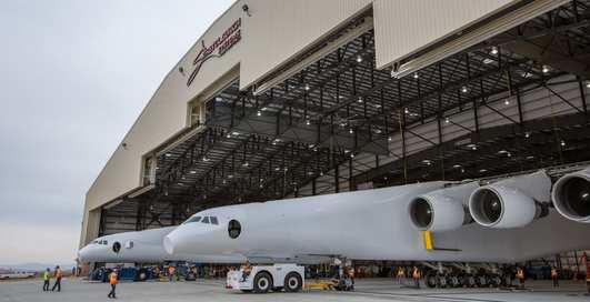 Stratolaunch: самый большой и тяжелейший самолет в мире