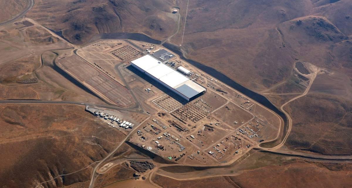 Гигафабрика Tesla: как выглядит самый большой завод в мире