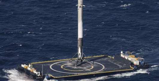 Так ракеты не сажают: эпичные падения техники Элона Маска