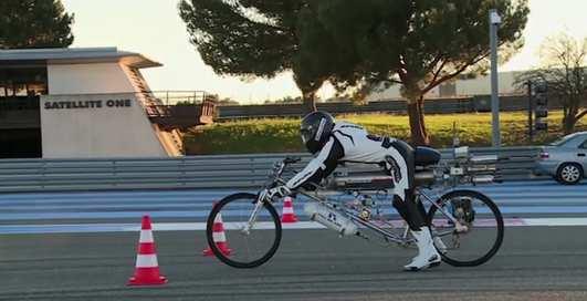 Ракета педальная: поставлен рекорд скорости на велосипеде — 333 км/ч