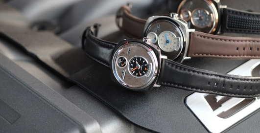 3 стильных модели часов из обломков Ford Mustang