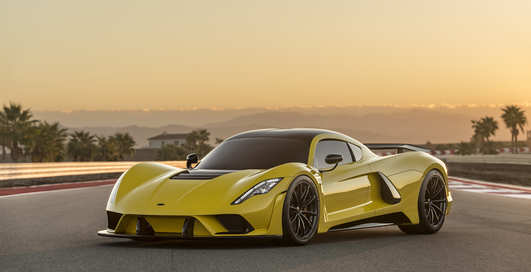 Убийца Bugatti: серийный гиперкар, разгоняющийся до 482 км / час